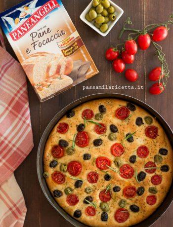 focaccia alta soffice pomodorini olive base paneangeli