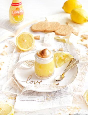 meringata al limone in bicchiere dessert estivo